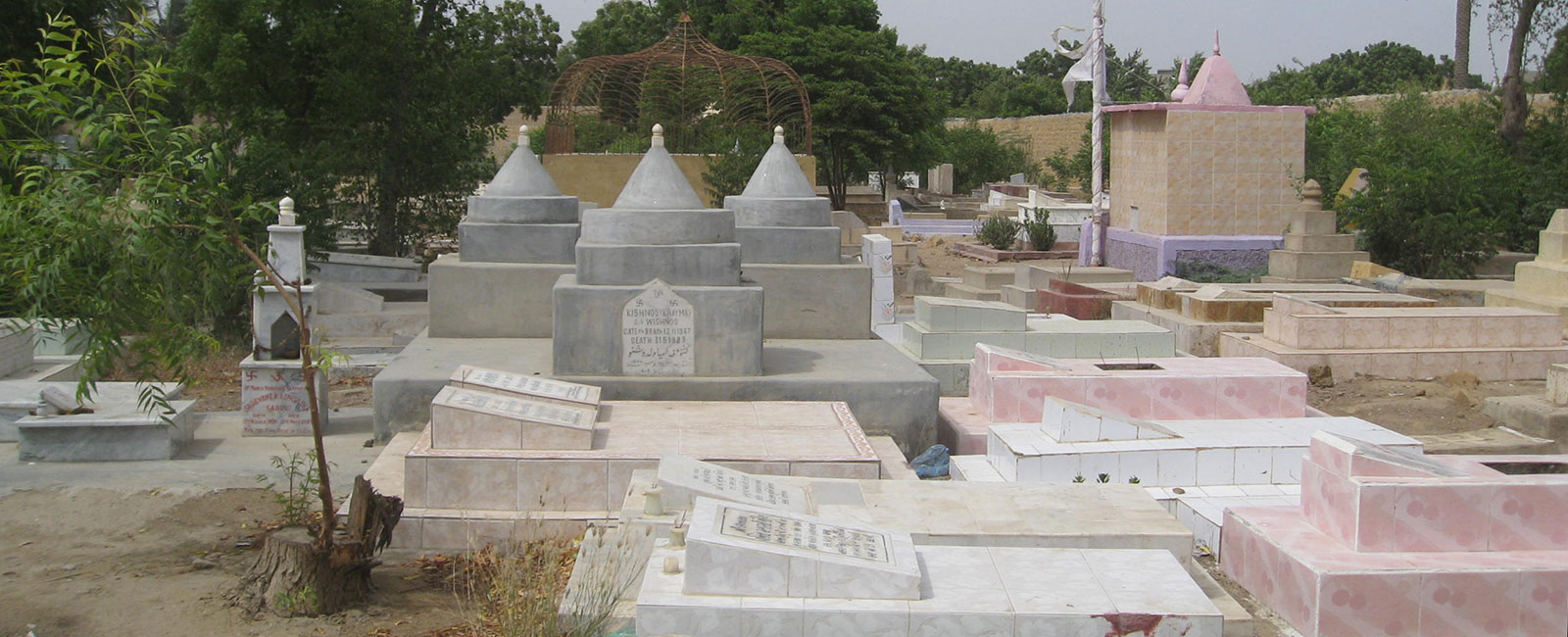 Hindus in Pakistan: Why they choose burial over cremation