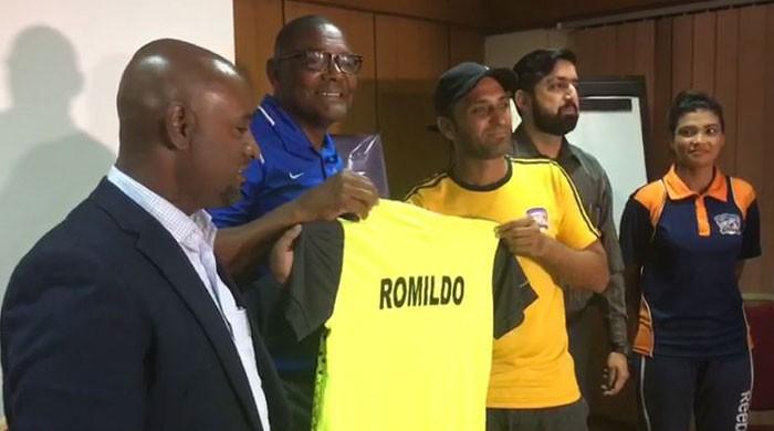 Brazilian football coach in Karachi to train young players