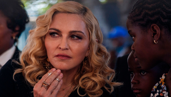Madonna stops auction of Tupac letter