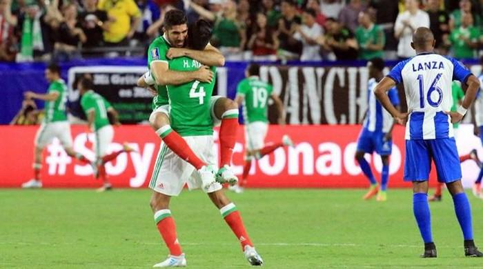 Mexico, Jamaica into Gold Cup semi-finals