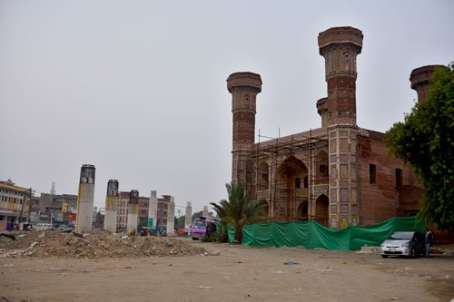 Chauburji literally means Four Towers and at one time led to one the many pleasure gardens of the Mughal era