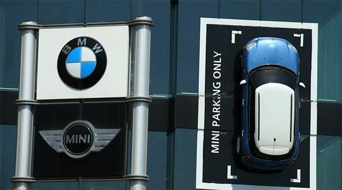 BMW says electric version of Mini to be built in Oxford ​