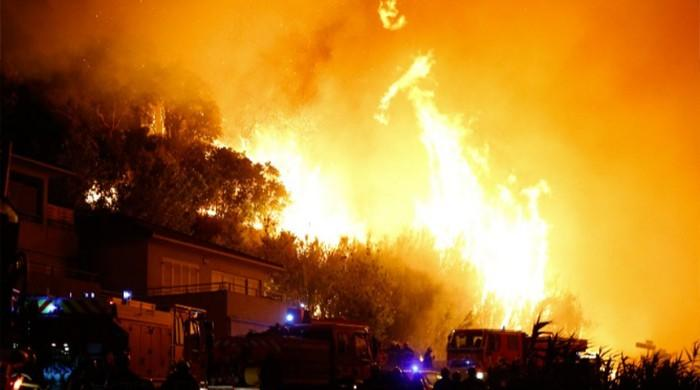10,000 people evacuated after fires in southern France