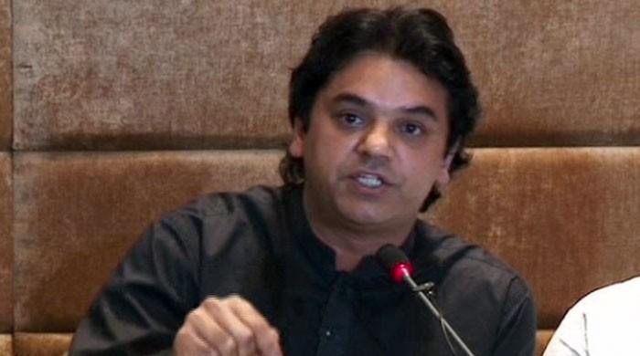 Khawaja Asif lied regarding iqama, alleges PTI's Usman Dar