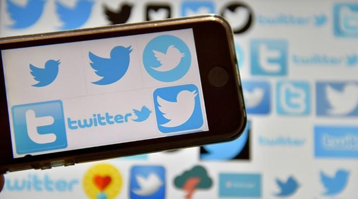 Twitter dives, growth stall highlights contrast with Facebook