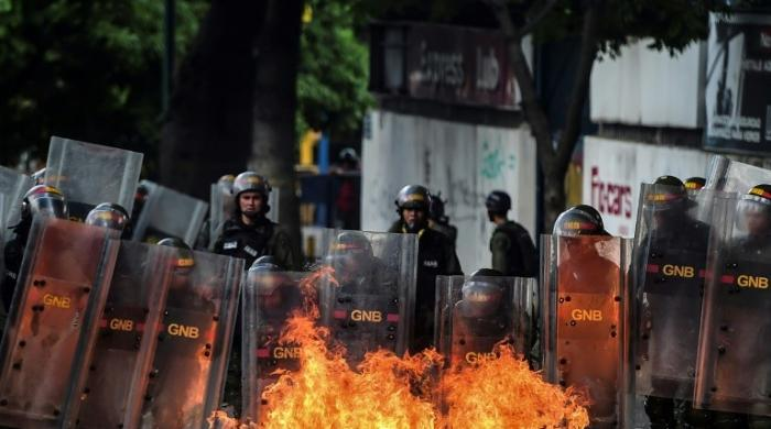 Venezuela's government, opposition on deadly collision course