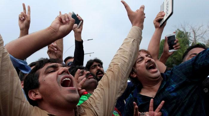 Post SC verdict: PML-N, opposition parties' workers confront each other in different cities