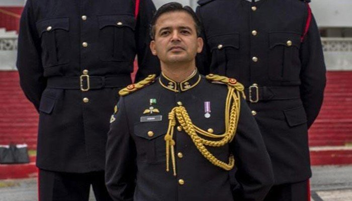 Major uqbah to return home after two years at sandhurst - How to become an army officer after college ...