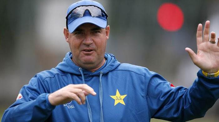 Coach Mickey Arthur rubbishes Umar Akmal's allegations
