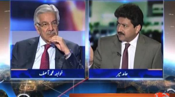 Can revive contact between Nawaz, Zardari: Khawaja Asif16-August-2017