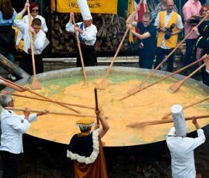 Visitors flock to Belgium's giant omelette festival despite scandal