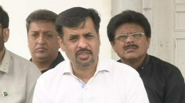 Mustafa Kamal hails Muhajir community for 'breaking ties' with MQM