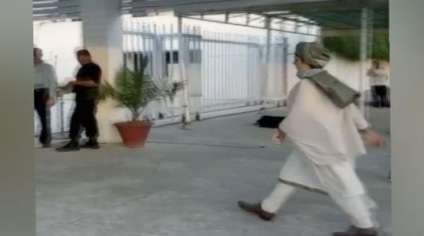 Ayesha Gulalai attends NA session wearing a turban