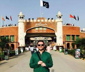 Biryani-loving American comedian Jeremy McLellan takes away fond memories of Pakistan