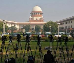 India's top court bans instant 'triple talaaq'