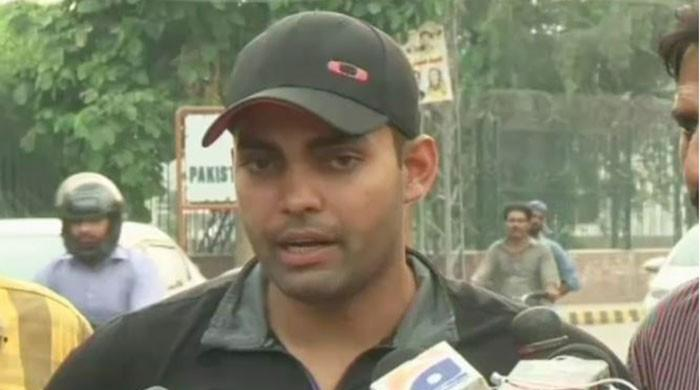 Umar Akmal continues tirade against Mickey Arthur in response written to PCB