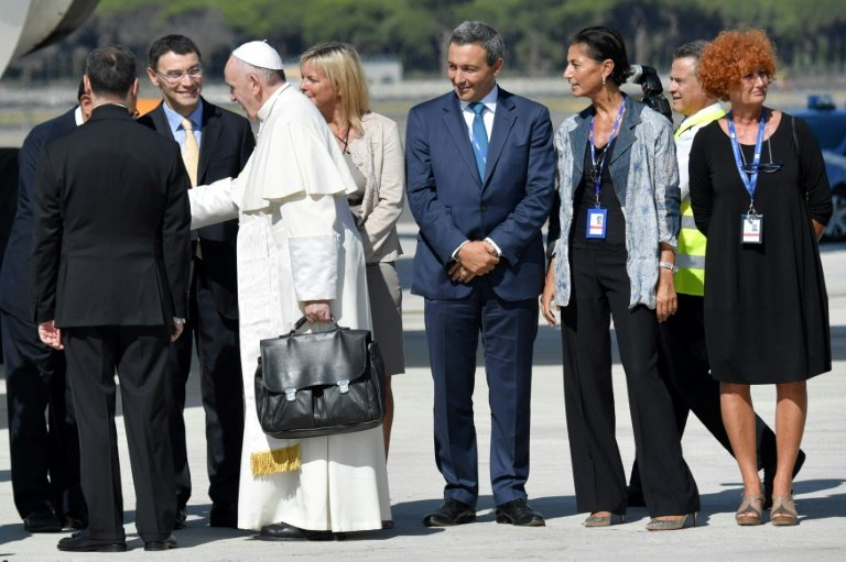 Pope Francis Starts Five Day Trip to Colombia