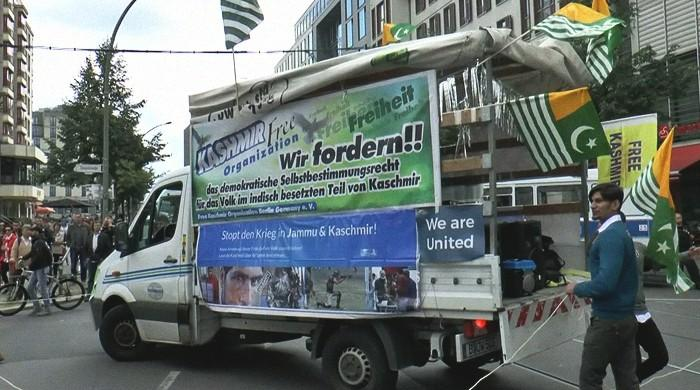 Kashmir Peace Truck joins colourful festivities of Berlin's 'CommUnity Carnival'