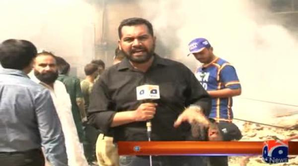 کراچی: نرسری کے قریب کاسمیٹکس گودام میں دھماکا