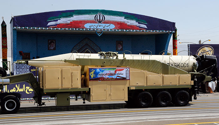 Iran defies United States , tests missile