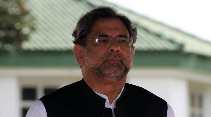 PM Abbasi arrives in London to meet Nawaz