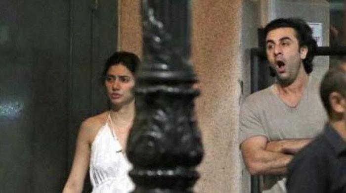 Celebrities come out in support of Mahira Khan after picture controversy