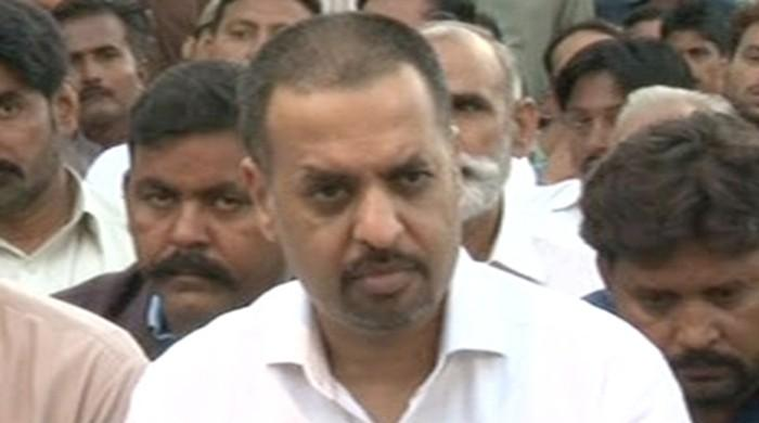 Self-exiled MQM leader is an absconder: Mustafa Kamal