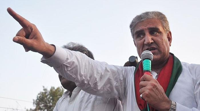Abbasi not ready to accept himself as PM: Shah Mehmood Qureshi