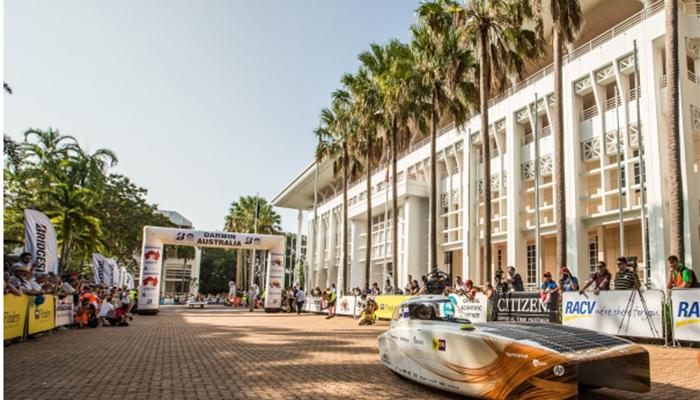 Sun Powered Cars Races Across Australia In Solar Challenge Race