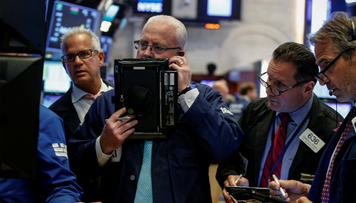 Futures gain ahead of big bank earnings
