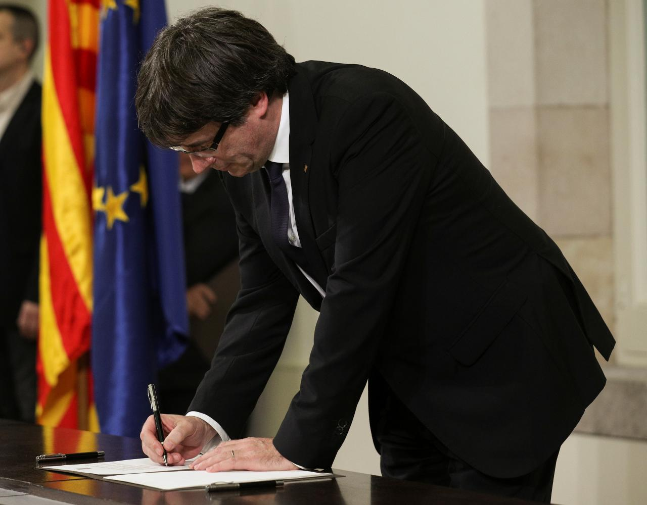 Spain set to impose direct rule on Catalonia