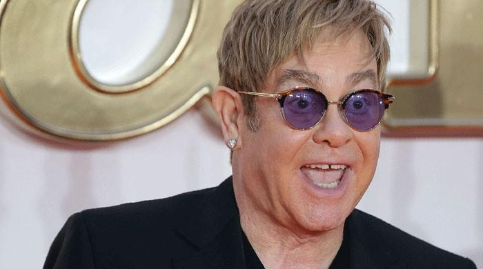 Elton John to end Vegas residency