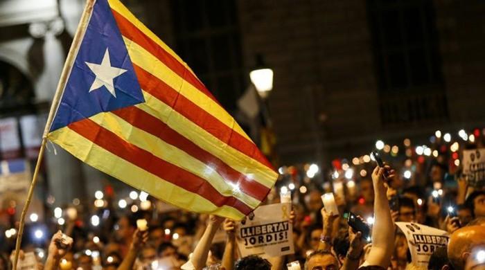 Spain threatens Catalan separatists as deadline looms