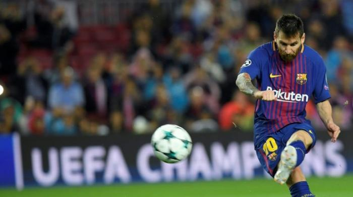 Messi joins 100-goal club in Europe in Barca stroll