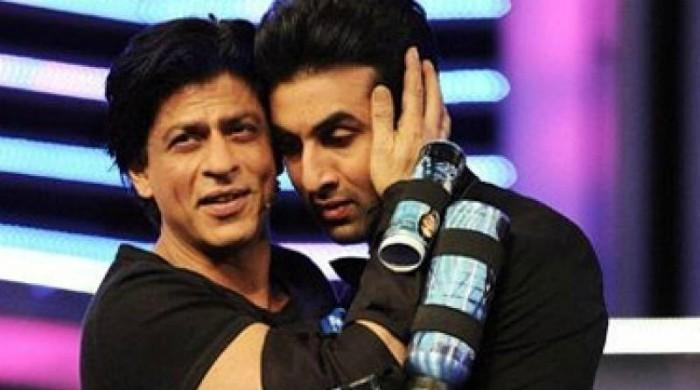 WATCH: Ranbir, Shah Rukh groove to 'Bole Churiyan' at Diwali party