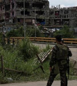 Fierce firefight as Philippines' toughest urban war down to last building