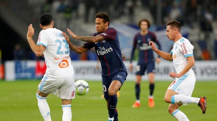Neymar sent off but Cavani salvages PSG draw at Marseille