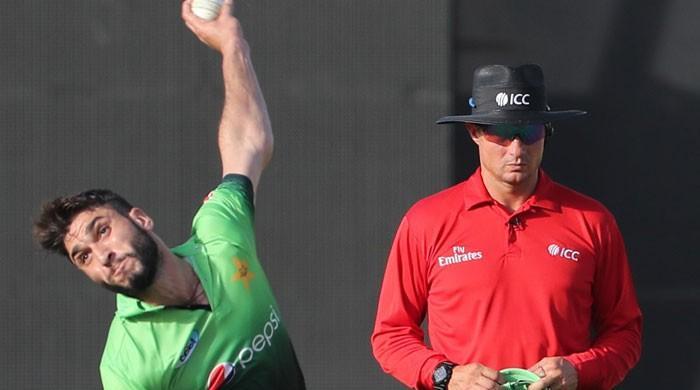 Shinwari rips through Sri Lanka batting