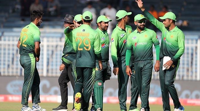 Pakistani bowlers shine as Sri Lanka restricted to 103