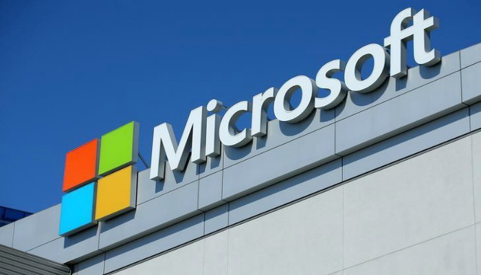 Microsoft drops suit as United States  authorities limit data gag orders