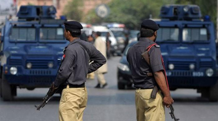 IG's wings to be clipped as Sindh set to change police law