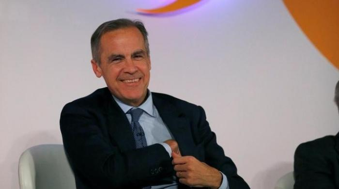 'No cash?' Bank of England Governor unable to find wallet