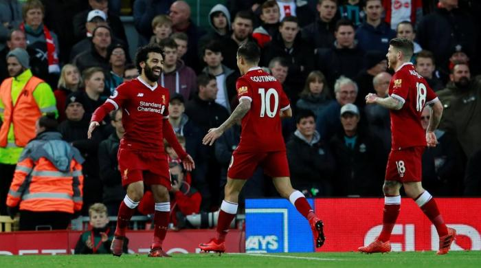 Liverpool rout Saints as Salah breaks Fowler record