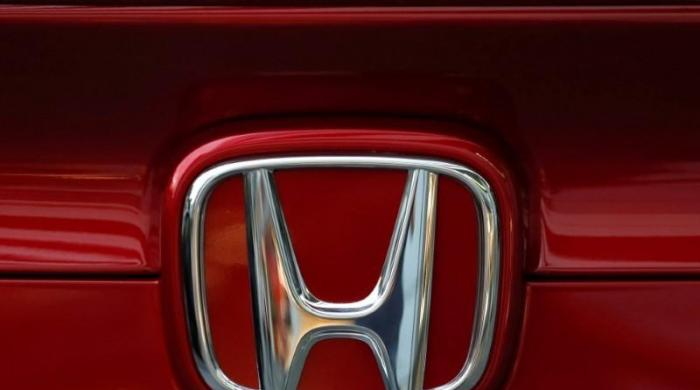 Honda recalling 900,000 minivans because seats may tip forward