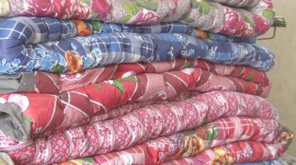 Quilts and duvets in Karachi as winter arrives