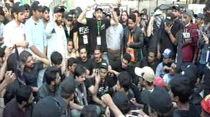 'Fix it' campaigner ends protest in Karachi