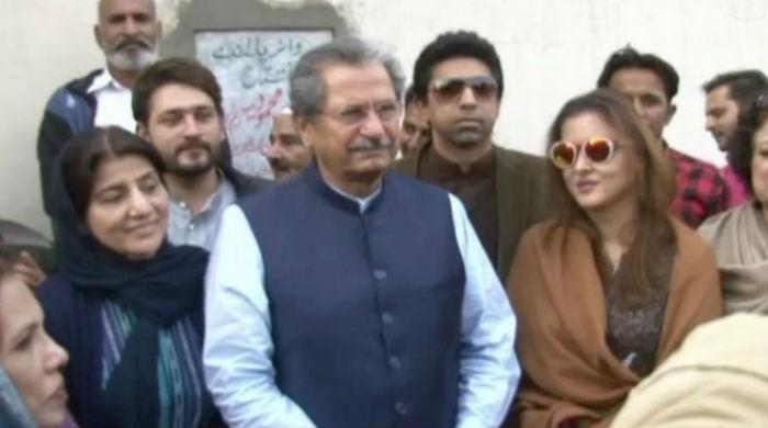 PML-N won't be able to complete tenure: Shafqat Mehmood