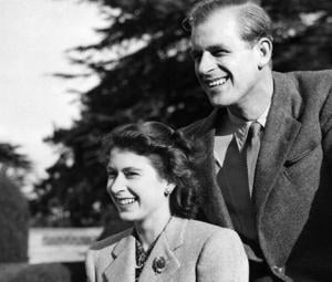 Official photo released to mark 70th wedding anniversary of Queen Elizabeth