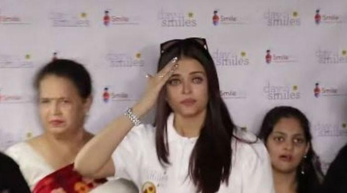 Adamant paparazzi make Aishwarya Rai Bachchan cry at charity event