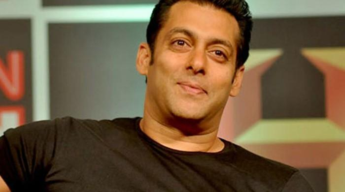 Salman Khan sings, fans can't stop swooning over it